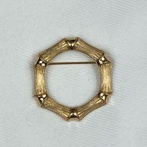 Avon © Bamboo Magic Wreath Pin Brooch Gold Vtg